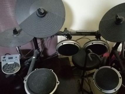 Digital Drum Behringer 10 modes