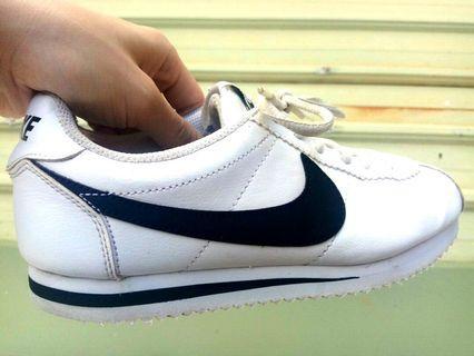 正品 Nike 耐吉 超輕量 阿甘鞋 運動鞋 白色 白底黑勾