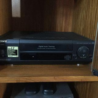 SONY VHS PLAYER