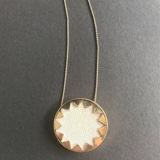 House of Harlow starburst necklace