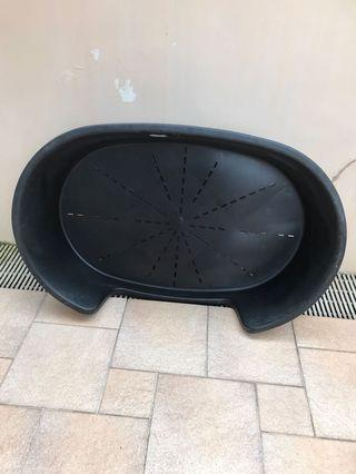 Dog's bed (length 114cm by 74cm by 26 cm) still in good condition