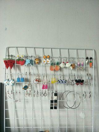 🚚 Selling White Metal Grid