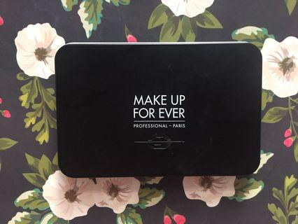 Make up forever empty palette with mirror