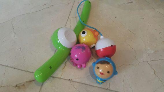 Munchkin fishing toys