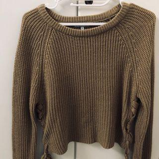 Brown Sweater Lace Colorbox