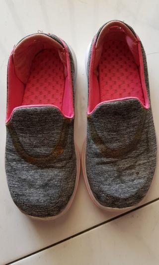 Sketchers slip on sneakers