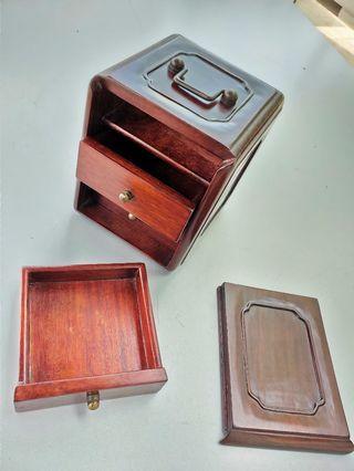 🚚 Rosewood jewellery box