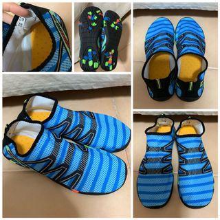 Brandnew unisex Water shoe for outdoor water sports.