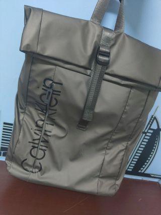 💯正品專櫃貨💯✨Calvin Klein/CALVIN KLEIN(CK)✨包包 特殊金屬色✨(可議價)