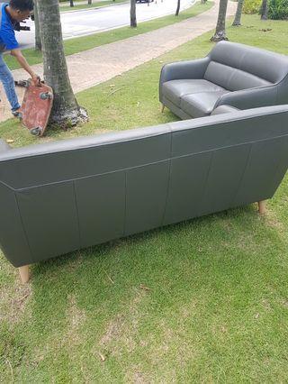3+2 seater leather make sofa