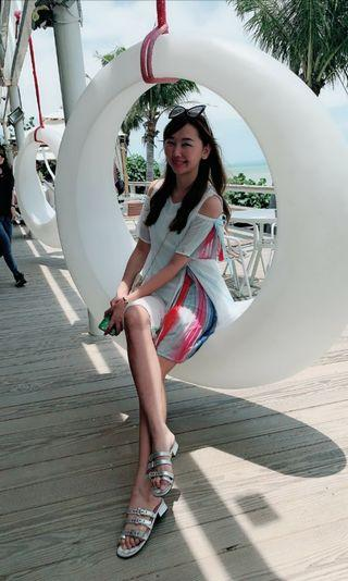 露肩彩虹袖洋裝