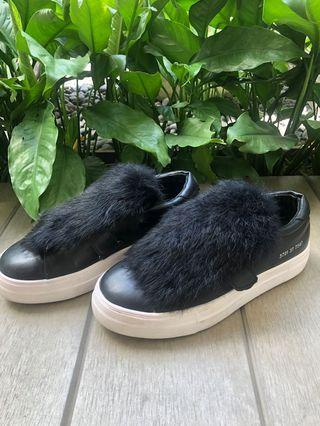 Black fur made in korea shoes