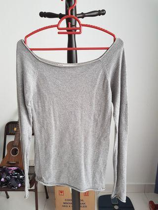 Wide neck long sleeved top