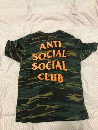 🚚 ASSC camo tee anti social social club
