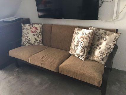 🚚 3 Seaters Sofa
