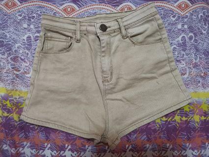 Khaki Highwaist shorts