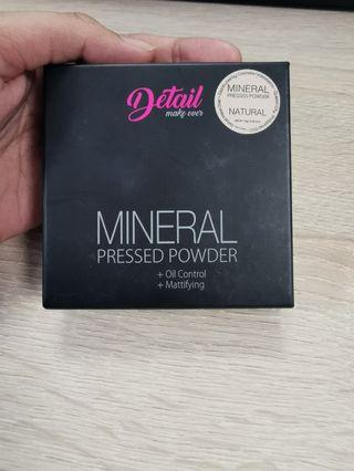 Detail Makeover Mineral Pressed Powder