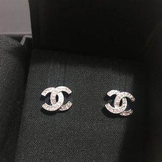 Authentic Chanel small Earrings
