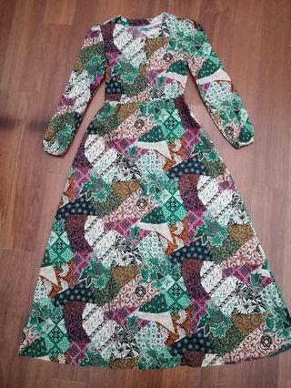 Stretchable Jubah Dress / Batik Dress