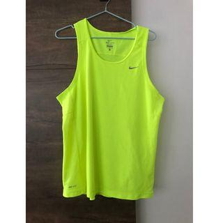 Nike Dry Fit mens sport top in L