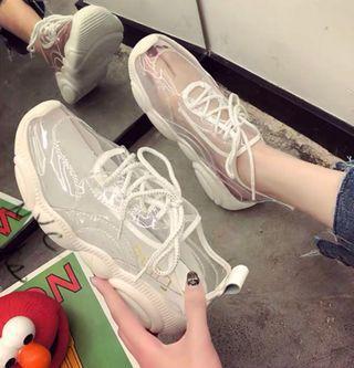 一雙抵十雙👍全新 透明水晶老爹鞋 超百搭厚底超好穿❤️用襪子穿出你愛的鞋子顏色❤️買太小 故售出《適合平常穿尺寸23的女孩兒》
