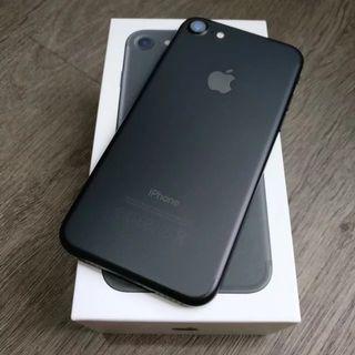 iPhone 7 32gb jet black (NEW accessories)