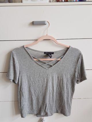 Grey cropped tshirt