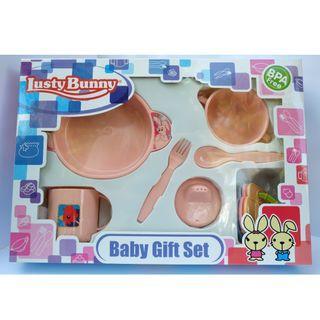 Set peralatan makan bayi (Baby feeding set)