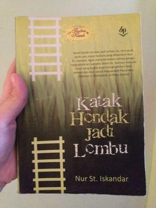 Novel Katak Hendak Jadi Lembu