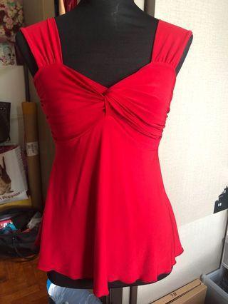 🚚 Red sleeveless v neck top
