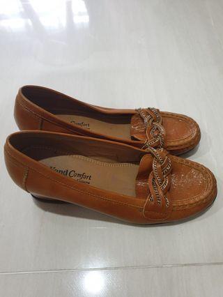 🚚 Korean brand 'Beyond' Brown Loafer