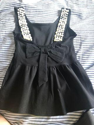 🚚 Black Top with crystal and pearl back strap