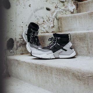 🚚 可議價!!!NIKE Air Huarache Gripp 黑灰 高筒 武士鞋