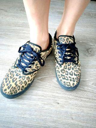 Vans 豹紋休閒鞋📍🇫🇷