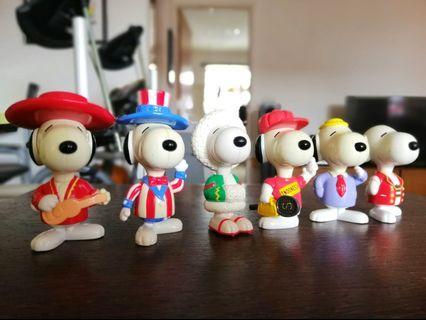 Snoopy Figurines in National Costume