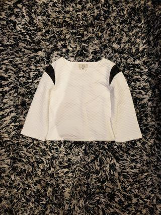 [SIZES UK: 6,8,10,12] White Three Quarter Sleeve Crop Top