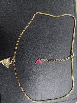🚚 Necklace Guess