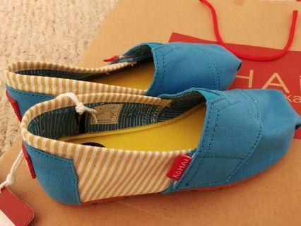 Kohai wakai shoes size 28