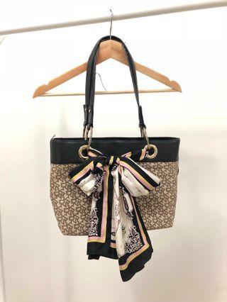 (Original) DKNY Monogram Shoulder Bag with DKNY scarf #Paradigm