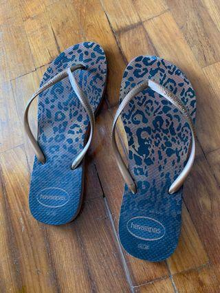Havaianas Slippers 41-42 Leopard prints brown gold skinny tong