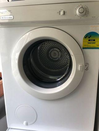 🚚 Electrolux Dryer