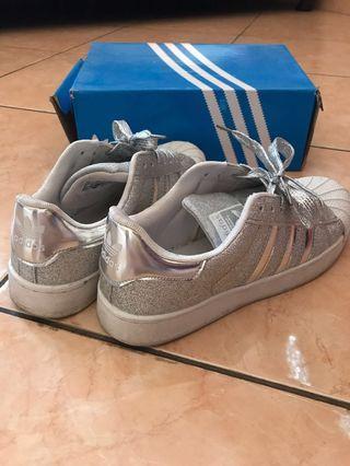 Adidas Shoe Silver size 40