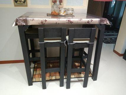 HIGH TOP DINING TABLE + 4 HIGH CHAIRS