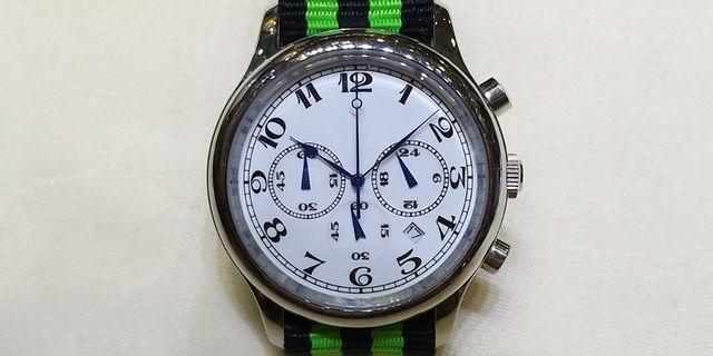 全新電子計時錶