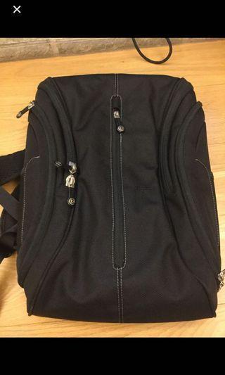 🚚 Booq後背包 電腦包 筆電包