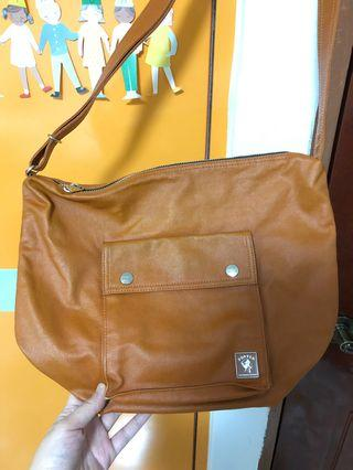 🚚 Porter sling bag
