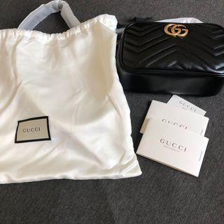 Gucci GG Marmont  Matelassé Shoulder Bag Black 相機包