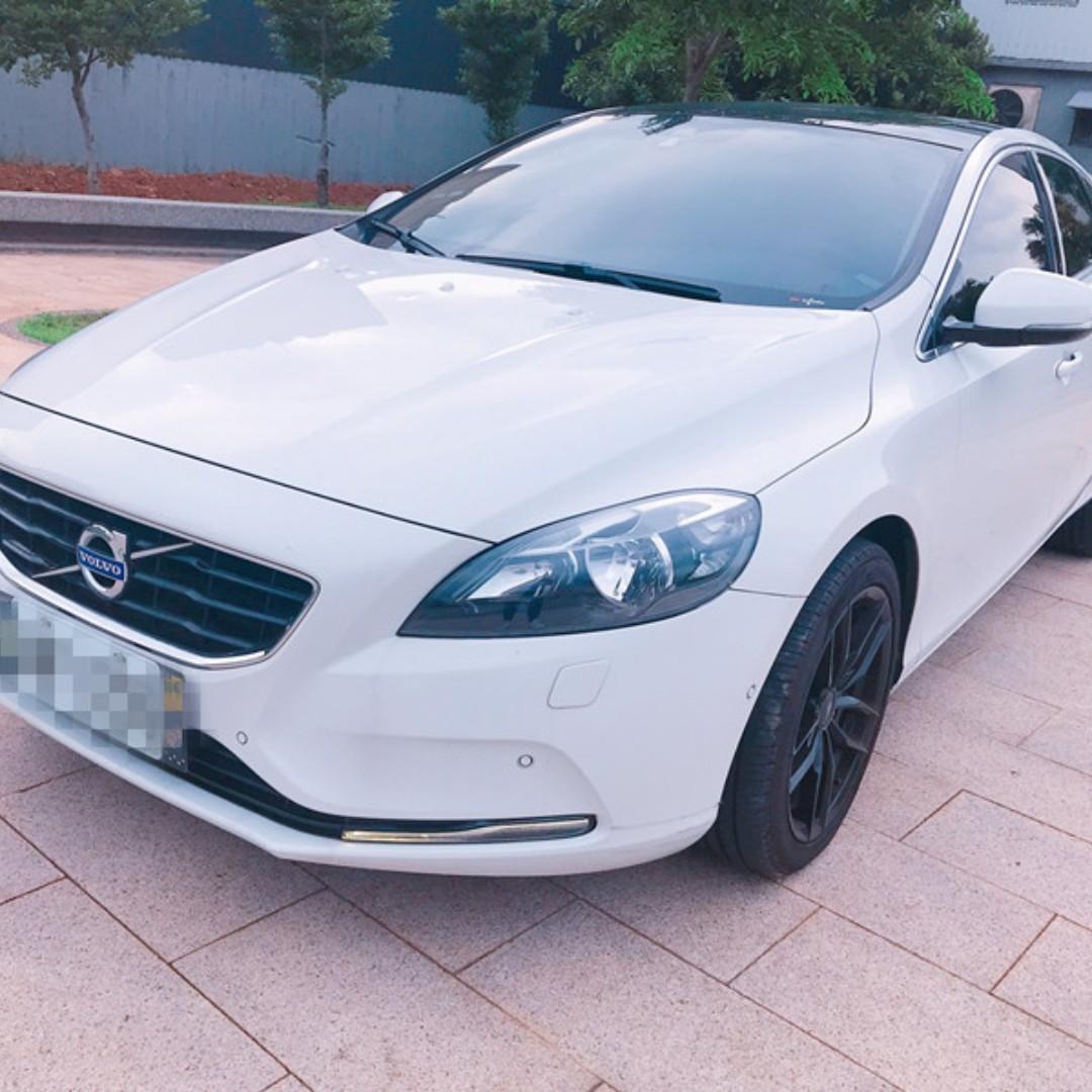 2013年   VOLVO   V40    1.6   汽油頂級    有全景天窗