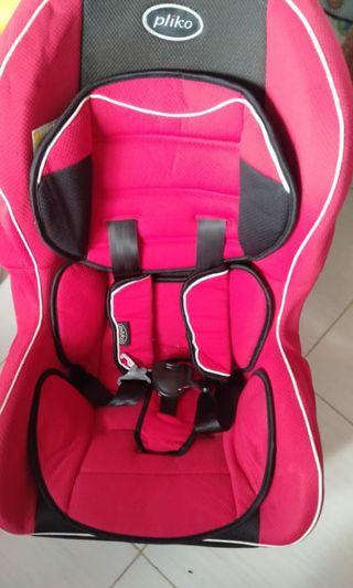 Car seat Pliko red