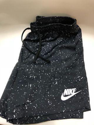🚚 Nike shorts